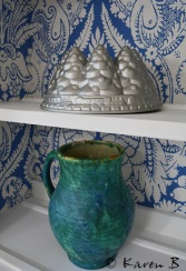 Decorative cake mould and vintage jug